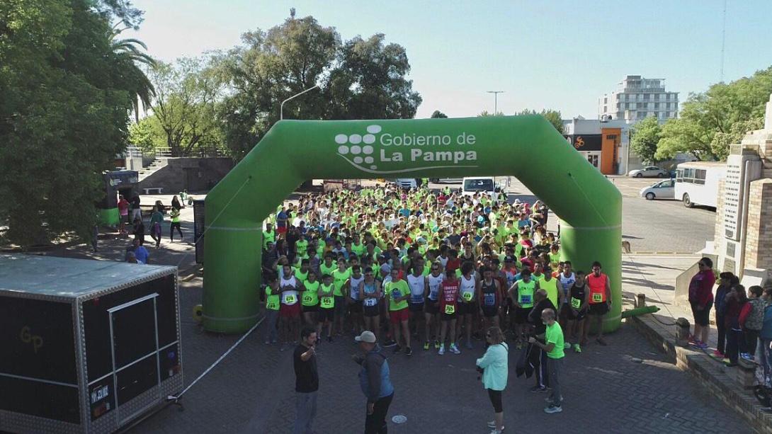 700 corredores disfrutaron una nueva edición de la Maratón Aniversario