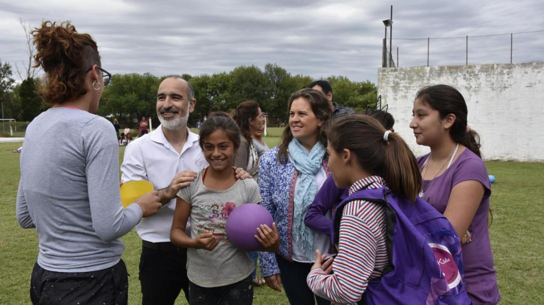 Alonso y López visitaron a niños y niñas que participan del Pro Vida