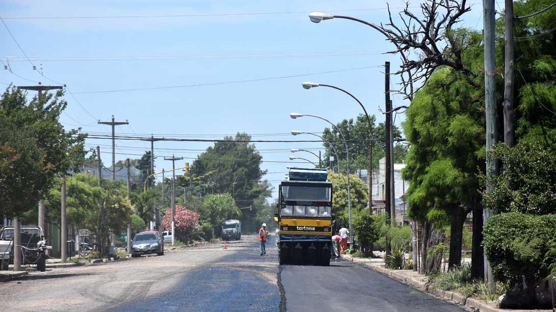 Comenzaron a repavimentar las calles de barrio El Molino