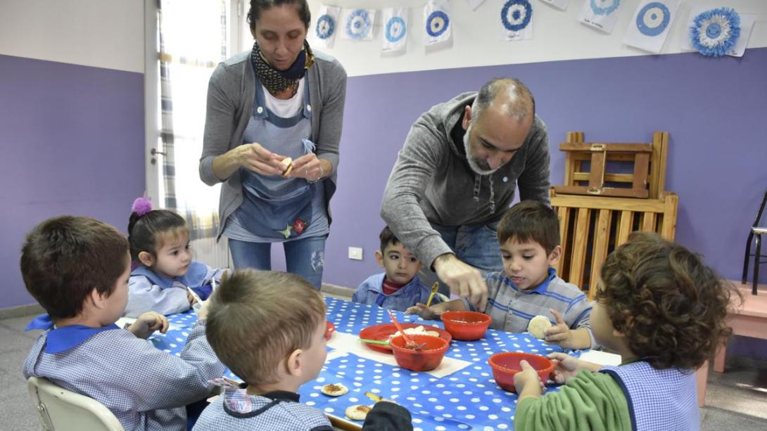 Los centros de desarrollo infantil celebraron el 25 de Mayo