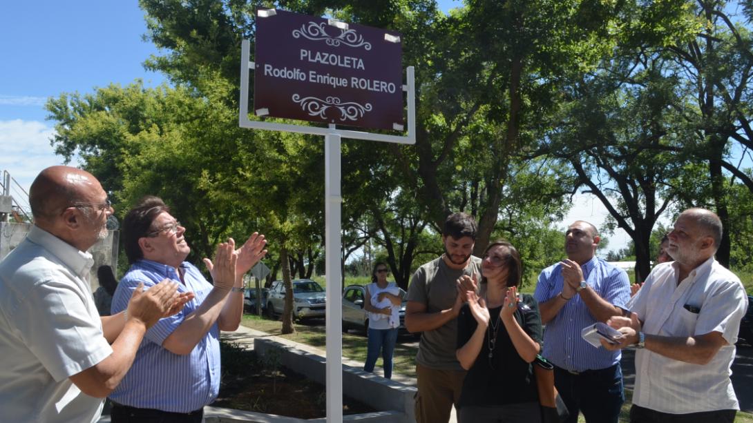 """Nombraron a la nueva plaza de barrio Pacífico como """"Rodolfo Enrique Rolero"""""""