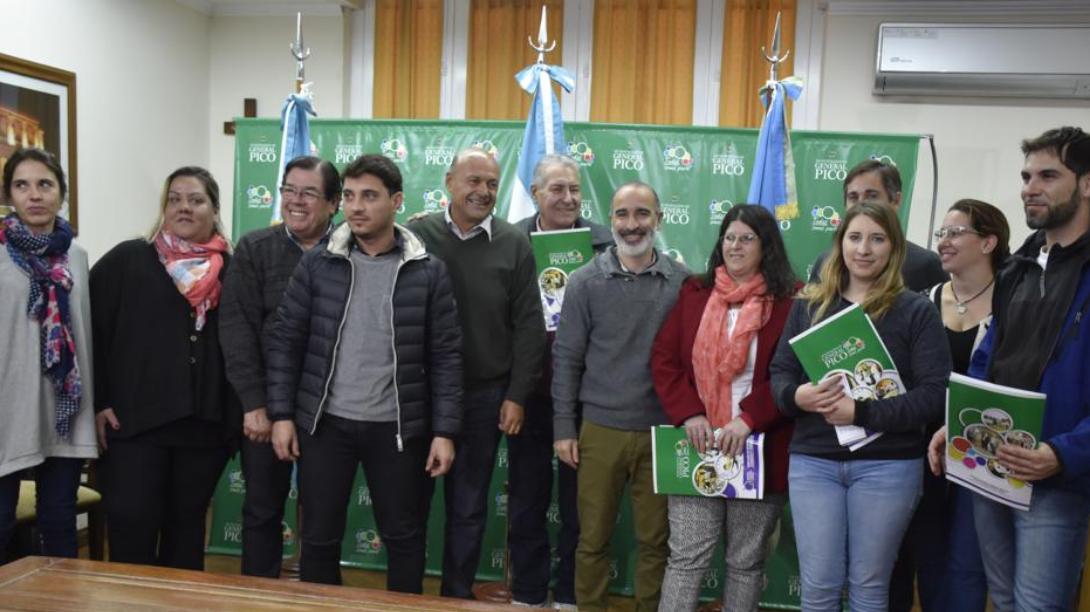 El municipio entregó 7 nuevos microcréditos por más de 700 mil pesos