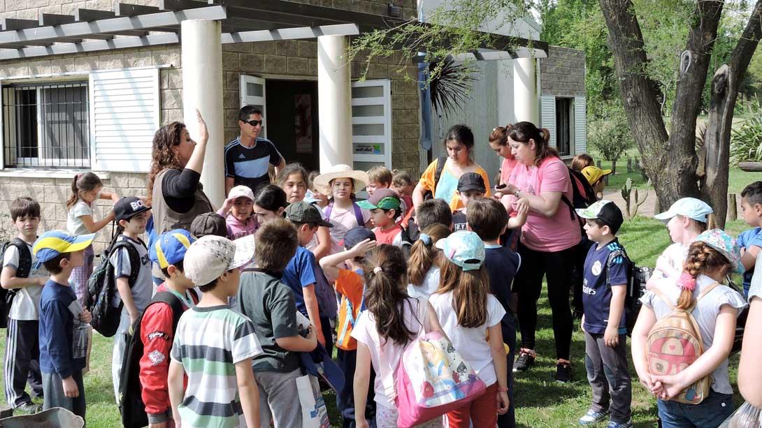 Alumnos de primaria realizaron recorrido de turismo por la ciudad