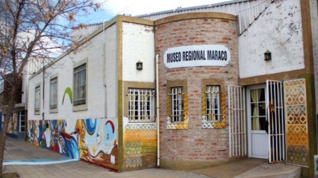Inauguran muestra por el Día Nacional del Tango en el Museo Regional Maracó
