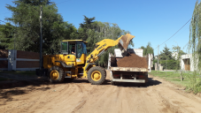 Continúan los trabajos de reparación de calles de tierra