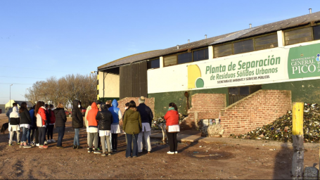 Alumnos de Educadores Pampeanos visitaron la Planta de Separación de Residuos Sólidos Urbanos