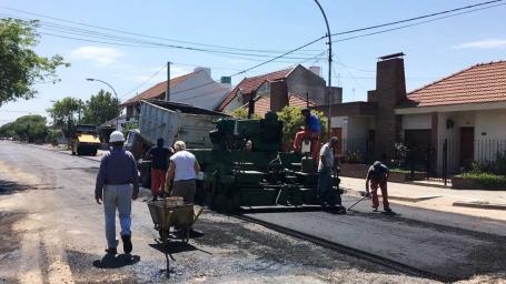 Repavimentan calles de barrio El Molino