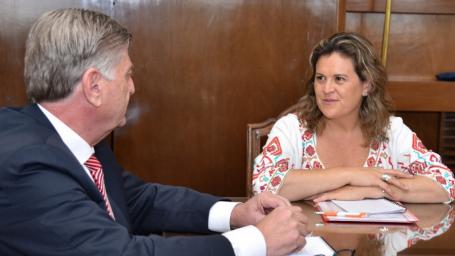 FERNANDA ALONSO FUE RECIBIDA EN CASA DE GOBIERNO POR EL GOBERNADOR SERGIO ZILIOTTO.