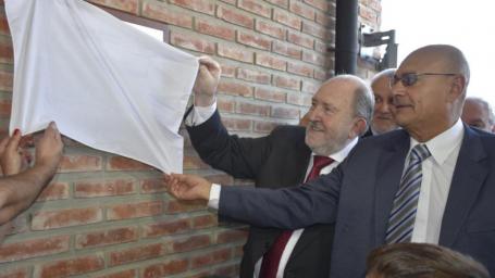 El gobernador inauguró junto al intendente los establecimientos educativos de barrio Federal