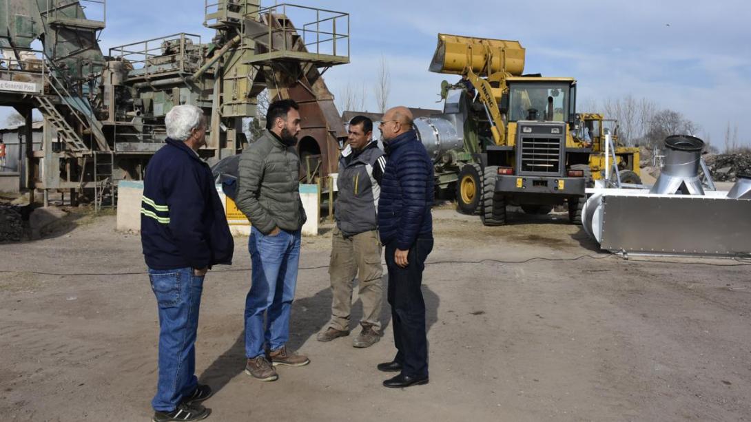 Realizan trabajos de mantenimiento en la Planta de Asfalto