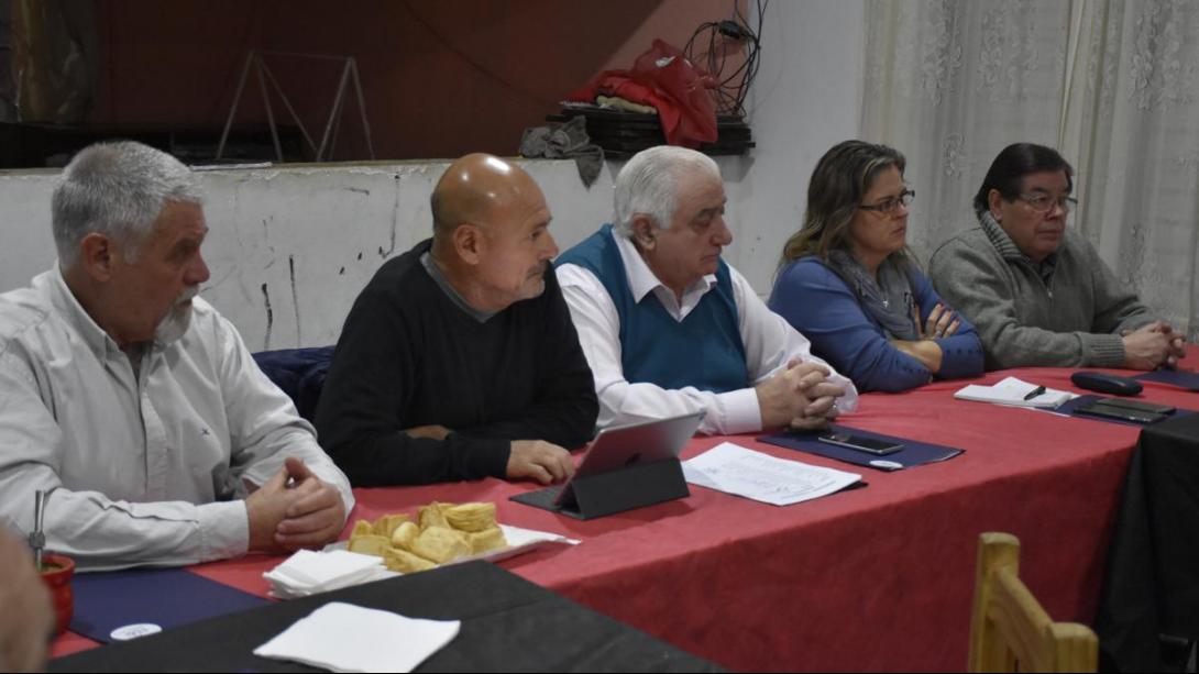 Se llevó a cabo en Metileo una nueva reunión de intendentes de la Microrregión II