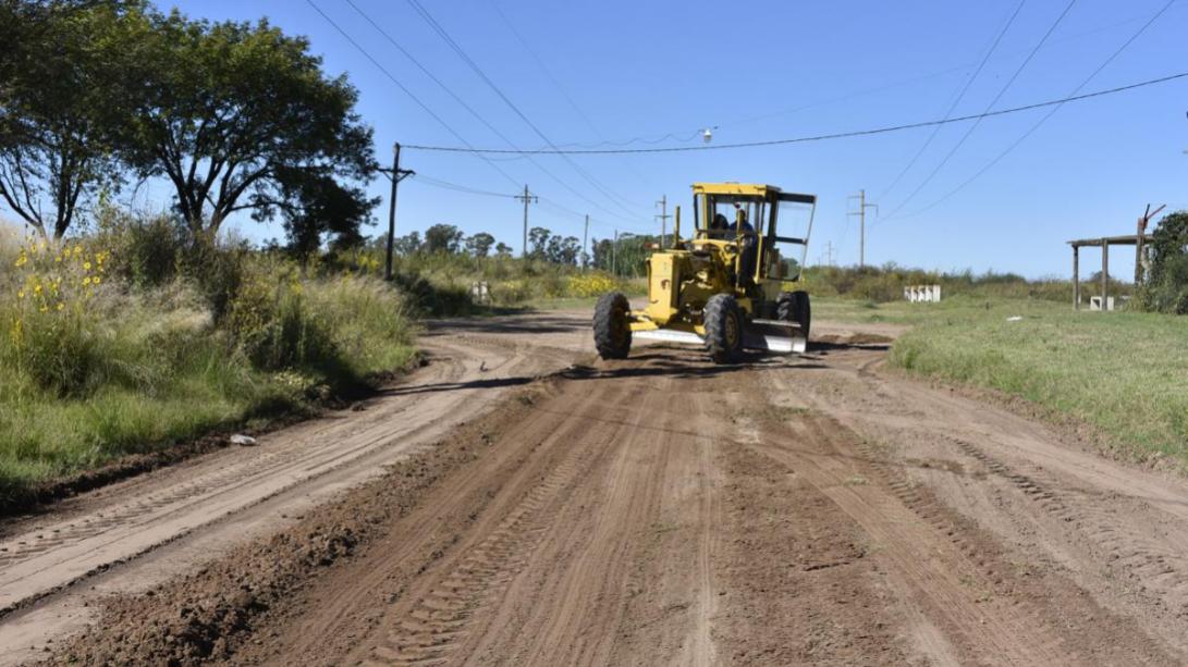 Realizan mantenimiento de calles en barrio Sur