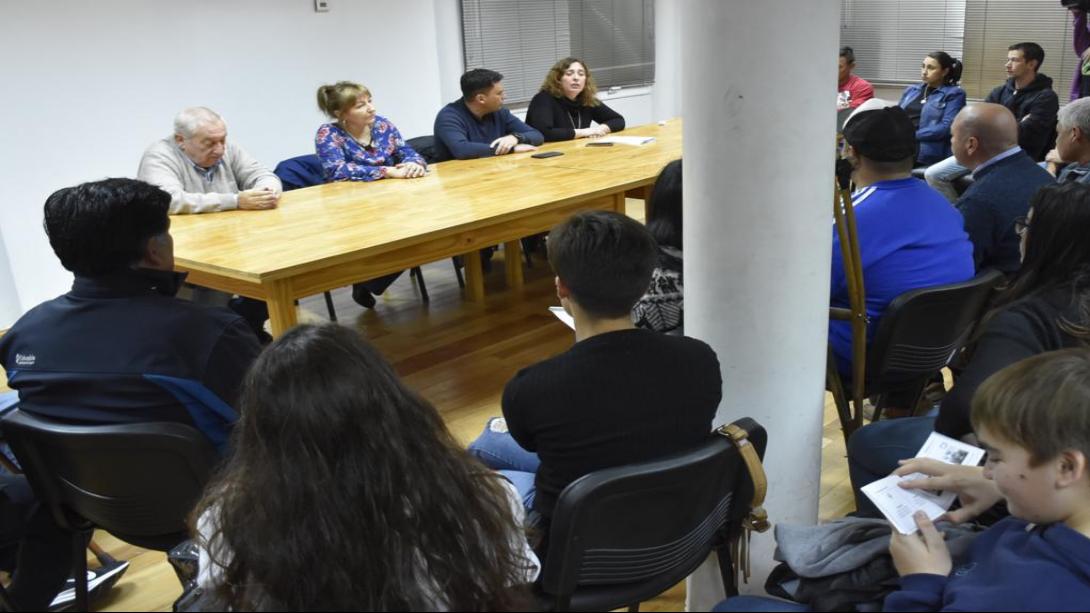 El municipio llevó a cabo una reunión con referentes deportivos por el autódromo