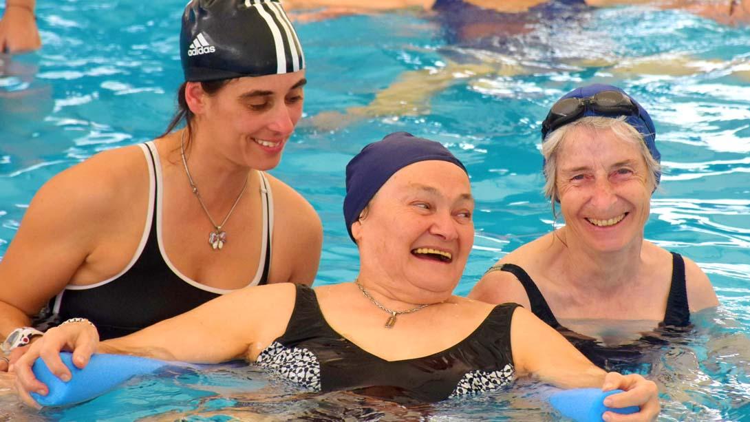 Comenzaron las clases de Natación y Aqua Gym para personas mayores