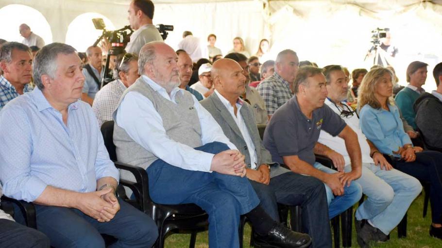 "El intendente participó de la XVIII Jornada de ""La horticultura en La Pampa"""