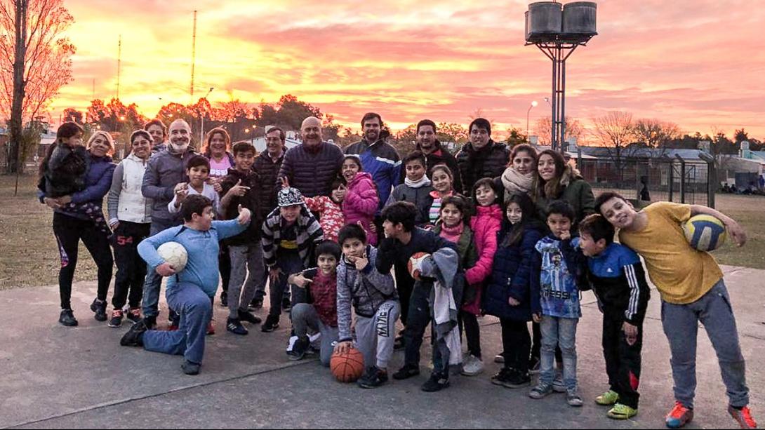 Cientos de jóvenes de la ciudad disfrutan el Pro Vida de invierno