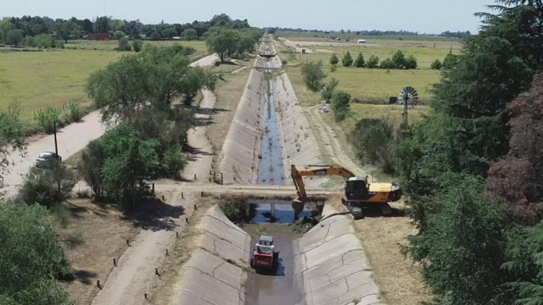 Más trabajos de mantenimiento y limpieza de canales