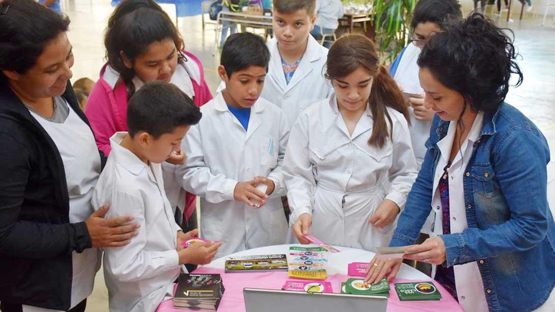 El municipio participó de la Feria de Lenguas del colegio Zampieri y Quaglini