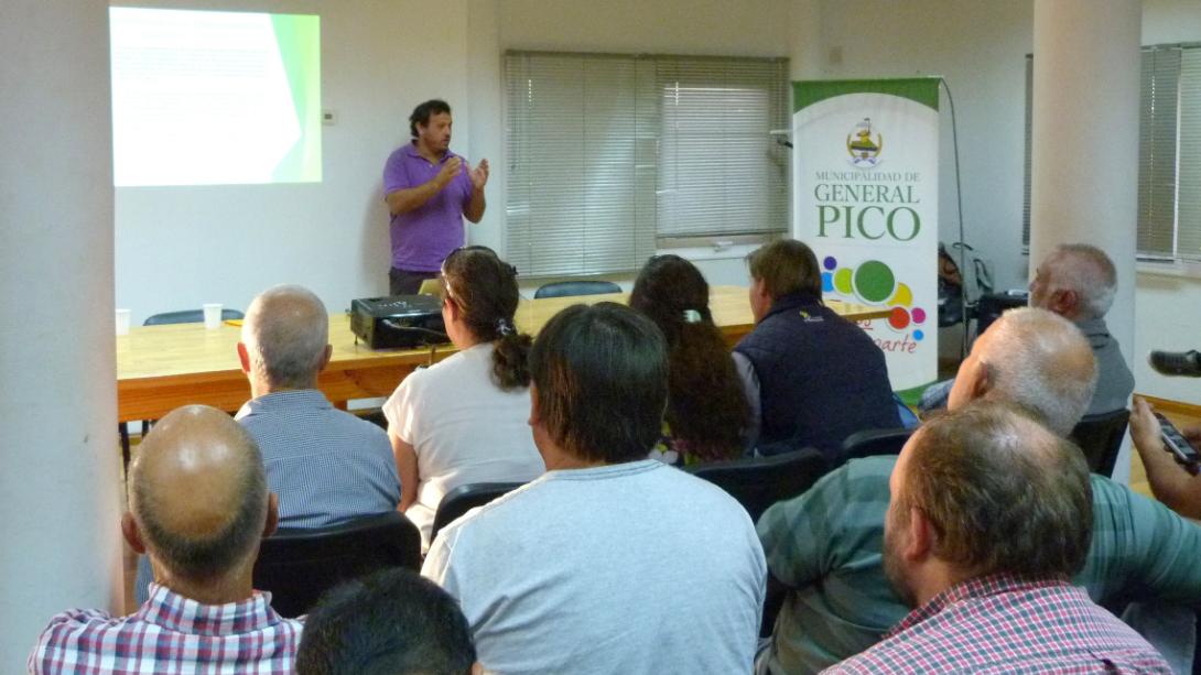 Dictaron exitosa charla sobre Manejo responsable de productos fitosanitarios