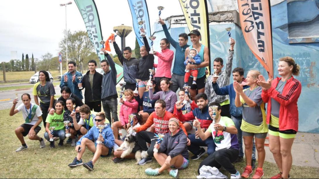 Carreño y Montero se quedaron con los diez kilómetros del Pico Running