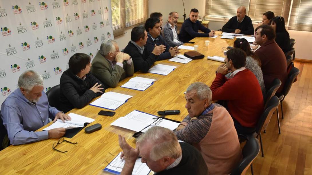 Ley de descentralización  Se reunieron los intendentes de la región II