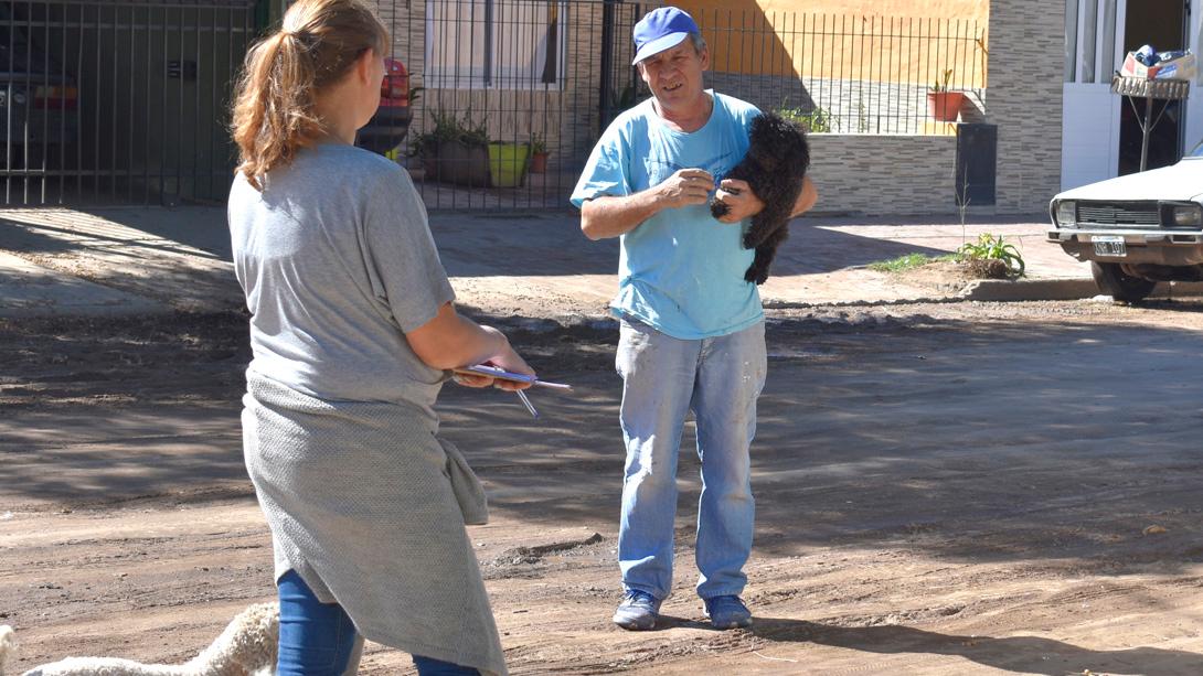 Comenzó una nueva campaña de vacunación y castración en barrio Don Bosco